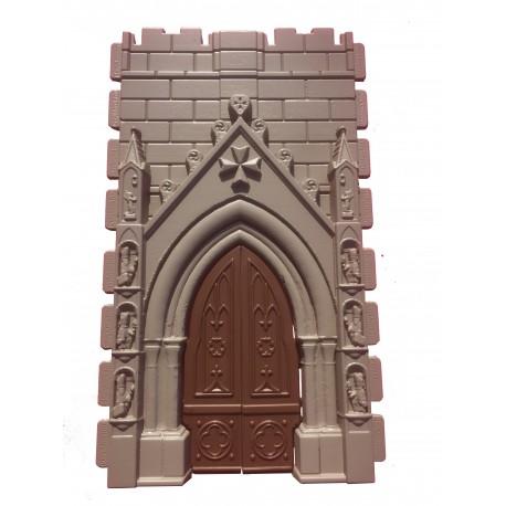 Puerta de igkesia con cruz templaria